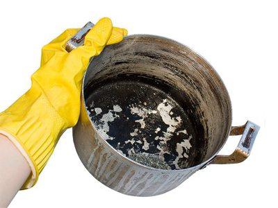 Как отмыть кастрюлю от гари