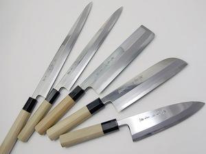 Японские кухонные ножи из стали